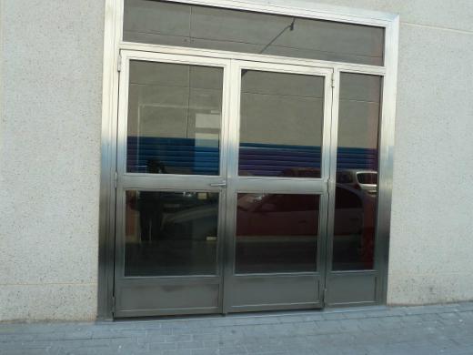 Puertas acristaladas instalaciones metalworld for Puertas acristaladas correderas